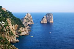 Luxury transfer by Mercedes and private boat from Capri to Rome or viceversa