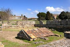 Paestum : story and eat with cheese