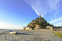 Private tour from Paris via Rennes station to Mont Saint-Michel