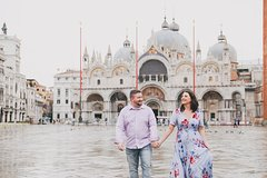 60 Minute Private Vacation Photography Session with Local Photographer in Venice