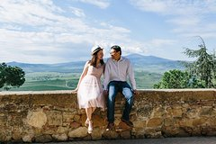 60 Minute Private Vacation Photography Session with Photographer in Tuscany