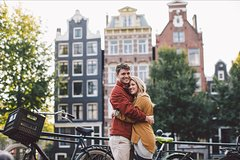 120 Minute Private Vacation Photography Session with Local Photographer in Amsterdam