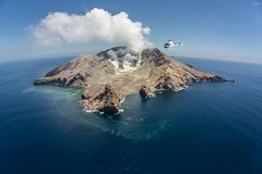 Imagen Helicopter White Island & Mount Tarawera Dual Volcano Landing