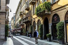 Milan Brera District and Moscova Walking Tour with Local Guide