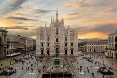 Private Tour: Milan Sightseeing Tour and Serravalle Outlet
