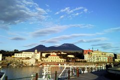 Naples Tour by car and by 2hr walking guided tour