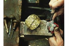 Craftsmen Workshop Tour in Florence