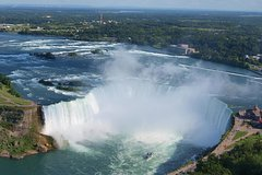 Private Niagara Falls Tour:Experience the thunder of over 12,000 years in a day!