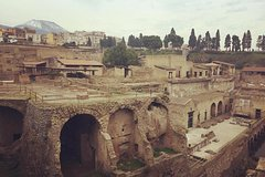 Herculaneum Grand Tour with an Archeologist/Tourist Guide