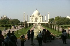 4-Day Private Tour Delhi Agra Jaipur from Goa with Commercial one-way Flight