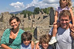 Kids & Families Skip-the-line Tour of Herculaneum with Children-Friendly Guide