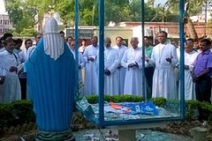 Half-Day Agra Tour visit Mother Teresa's Missionaries of Charity and Shopping