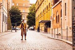 Imagen Skip the Line Private Tour: Vatican City & Secrets