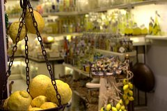 The Gastronomic Tour: Limoncello, Olive Oil and Wine Tasting with Lunch (8hr)