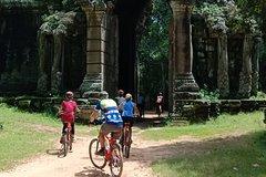 Angkor Wat Sunrise and Small Circuit Cycling Tour