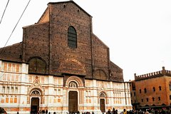 BOLOGNA PRIVATE TOUR: City center walking guided tour