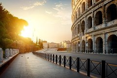 Imagen Early Morning Colosseum and Ancient Rome Small Group Tour