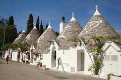 Imagen 3 Day Tour from Sorrento: Alberobello's Trulli, Lecce, Gallipoli, Matera Stones