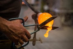 The Magic art of glassblowing and Doge's Palace skip the line guide book