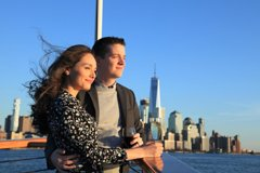 Sunset Cruise on Yacht In Manhattan With Complimentary Drink