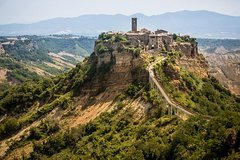 Transfer to Florence, visiting Bagnoregio from Rome (or in reverse)