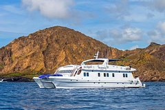 Imagen Galapagos Island Cruise: 4-Day Tour Aboard the 'Archipel I'