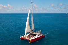 Imagen 2-Night Whitsunday Islands All-Inclusive Sailing Tour from Airlie Beach