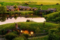 Imagen Hobbiton and Waitomo Caves from Auckland Small Group Tour