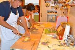 Traditional Home Hands on Cooking Class in Pisa