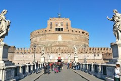Skip-the-line Castle Sant'Angelo Museum & Bridge Small Group Guided Tour in Rome