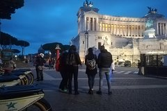 Roma by Night - E-Bike Tour