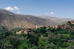 2 days Hiking in Atlas mountains in Morocco