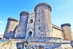 Guided Tour of Naples Must-See Sites with Old City Plebiscito Square & Castle