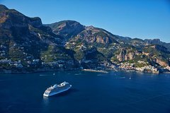 Private transfer Sorrento to Naples or viceversa with 2 hours stop in Pompeii