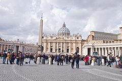 Early Semi private Express tour of Sistine Chapel and St Peter Basilica