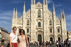 Skip the Line: Express Milan Duomo and Rooftop Small-Group Tour