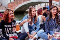 The Ultimate Aperitivo Wine & Bites Private Tour in Venice