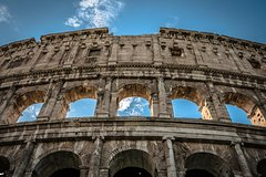 On the footsteps of ancient Roman: Colosseum, Roman Forum and Palatine Hill