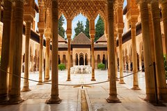 Imagen Alhambra, Generalife & Nasrid Palaces: Tour with Fast Track