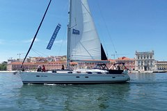 Imagen Lisbon Sailing Tour on a Luxury Sailing Yacht