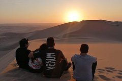 Imagen Sunset at the Oasis of Huacachina