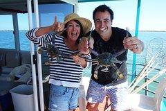 Imagen Mandurah Luxury Estuary Crabbing Tour