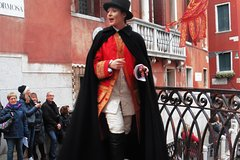 Carnival Walking Theatre Show (The Codega) - Venice Secret