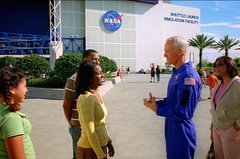 Kennedy Space Center Deluxe Experience: Lunch with an Astronaut and Up-Close Tour