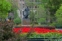 Private Gramercy Park and Union Square Tour with Entry to Players Club Mansion