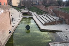 BOLOGNA. THE YELLOW OF WATERS - Self-guided Treasure Hunt