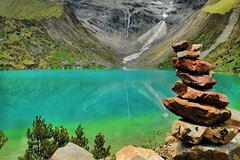 Imagen Full-Day Trek to Humantay Lake from Cusco with Guide