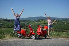 San Gimignano Vespa tour - 1 vespa per person