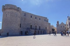 Walking Tour in Conversano: a city of history, art and culture