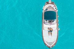 Amalfi Coast and Emerald Grotto Boat Trip-Prime Experience with maximum 7 g
